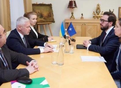 Игорь Терехов провел встречу с представителями НАТО в Украине