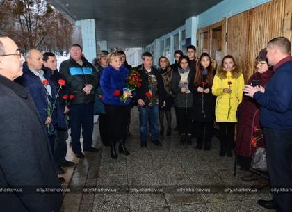 В 145-й школе Харькова увековечили память воина-афганца (ФОТО)
