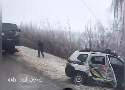 Лобовое столкновение автомобиля Госслужбы охраны на окружной: пострадали полицейские (ВИДЕО)