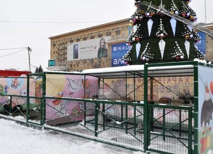 На площади Свободы работает контактный мини-зоопарк (ВИДЕО, ФОТО)