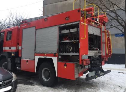 Спасатели предотвратили взрыв подъезда в шестнадцатиэтажке возле Сабуровой дачи