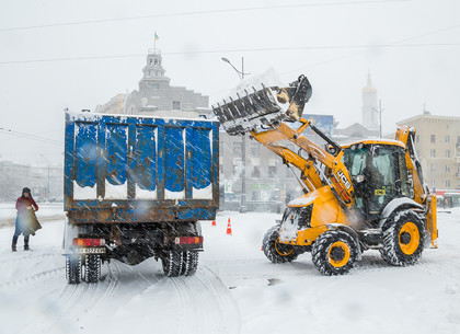 Как убирают снег на улицах Харькова (ФОТО)