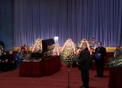 Харьков простился с Леонидом Исаевым (ФОТО)