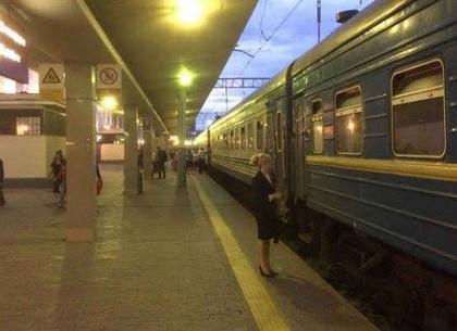 Укрзалізниця вдвое сократила количество рейсов из Харькова в Москву