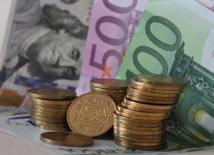 Курсы доллара и евро в Украине упали ниже психологических отметок