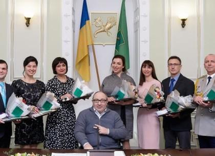 Геннадий Кернес наградил победителей конкурса «Учитель года»