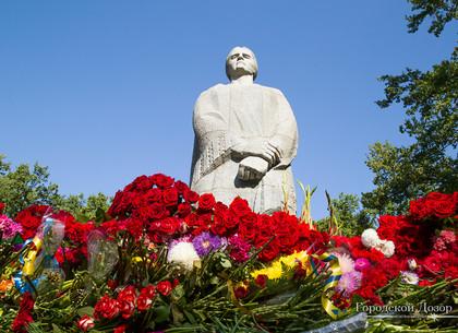 В Харькове отремонтировали несколько воинских мемориалов