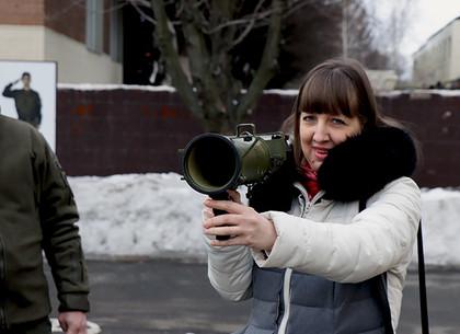 Харьковские педагоги отправились в воинскую часть изучать Защиту Отечества (ВИДЕО, ФОТО)
