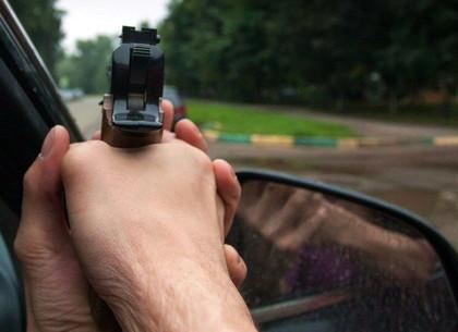 Иностранцы открыли стрельбу из машины возле части Нацгвардии в Харькове (ФОТО, ОБНОВЛЕНО)