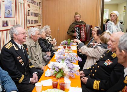 Как праздновали День Победы в Новобаварском и Холодногорском районах Харькова