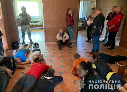 Полиция пресекла деятельность псевдореабилитационного центра для зависимых (ФОТО)