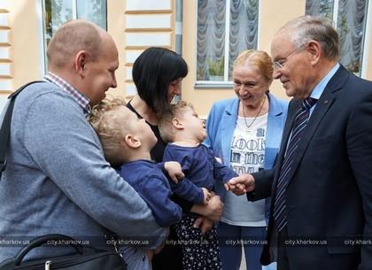 Немецкие благотворители вручили харьковчанам материальную помощь (ФОТО)