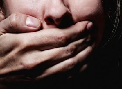 Жительница Купянска обвиняет знакомого в изнасиловании умственно отсталого сына