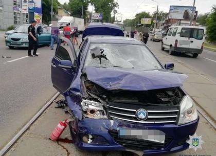 Тройное ТП на Полтавском Шляхе: пострадала пассажир (ФОТО)