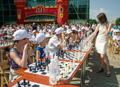 В Харькове установлен рекорд Украины по одновременной игре в шахматы (ФОТО)