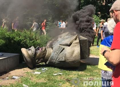 Снос памятника Жукову: полиция возбудила уголовное дело (ФОТО)