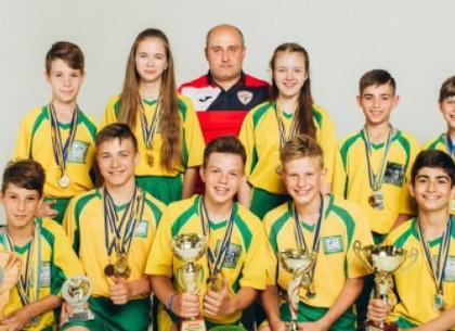 В Харькове прошла фотосессия победителей спортивных школьных лиг