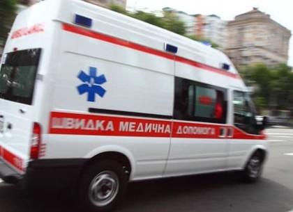 Медики оказали экстренную помощь строителю, на которого обрушилась стена
