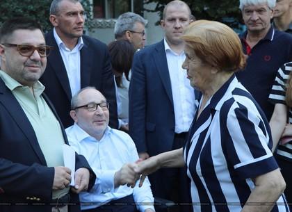 Геннадий Кернес встретился с жителями поселка Жуковского