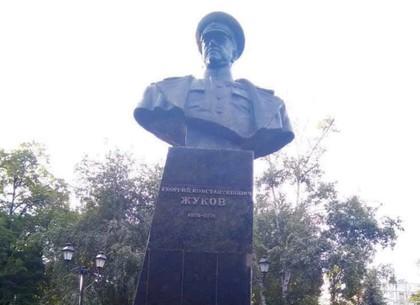 Памятник маршалу Жукову восстановлен, – Геннадий Кернес (ФОТО)