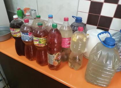 Посетителям на Барабашово продавали «алкогольную жидкость» неизвестного происхождения