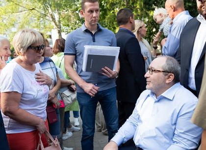 Геннадий Кернес встретился с жителями Пятихаток (ФОТО)