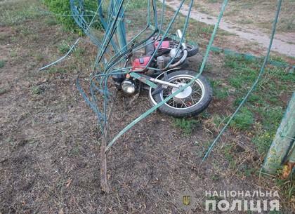 В забор школы врезался нетрезвый мотоциклист