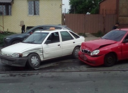 Такси попало в ДТП на Москалевке