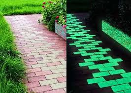 Студенты из Харькова разработали тротуарную плитку, которая накапливает днем солнечную энергию и светится ночью (ФОТО)