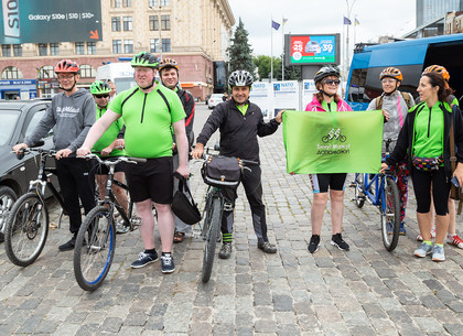 В Харькове стартовал велопробег «ВИЖУ! МОГУ! ПОМОГУ!» (ФОТО)