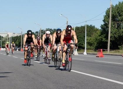 В городе прошли соревнования по триатлону