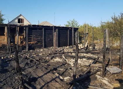 От загоревшегося сена пылал пожар на два двора (ФОТО)