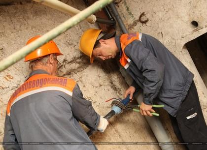 Коммунальщики заменили устаревшие коммуникации в очередной многоэтажке в 336 микрорайоне (ФОТО)