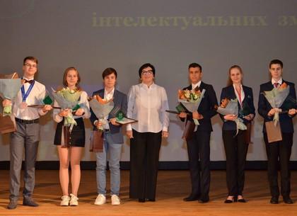 Харьковские школьники - лидеры интеллектуальных соревнований