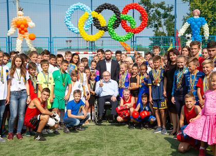 В школе №108 Холодногорского района открыли современный стадион (ФОТО)