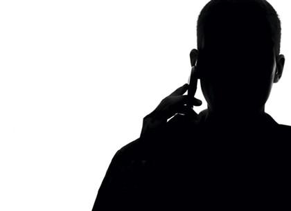 Среди ночи у 72-летнего мужчины выманили 22 тысячи долларов