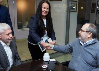 Геннадий Кернес встретился с финалисткой конкурса «Global Teacher Prize Ukraine» Людмилой Таболиной