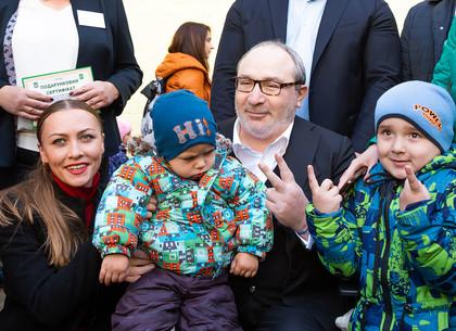 Геннадий Кернес открыл детсад в Слободском районе (ФОТО)