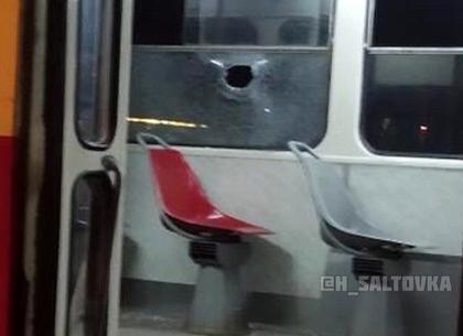 В Харькове опять разбили окно трамвая - на этот раз с жертвой