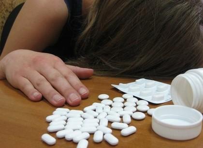 Самоубийство: женщина выпила смертельную дозу таблеток