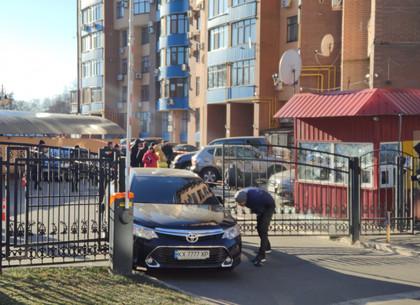Авто подозреваемых во взрыве нашли сожженным