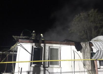 Крупный пожар в курортном поселке потушили заполночь (ФОТО)