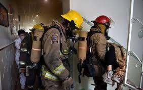 Во время пожара на Героев Труда пожарные спасли двоих малолетних детей (ФОТО)