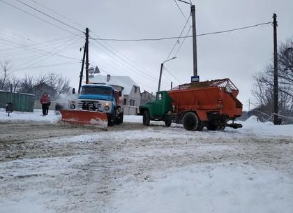 В Харькове намело около 10 сантиметров снега: как чистят дороги