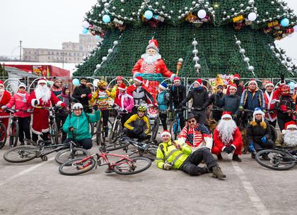 В Харькове состоялся новогодний велопарад (ФОТО)