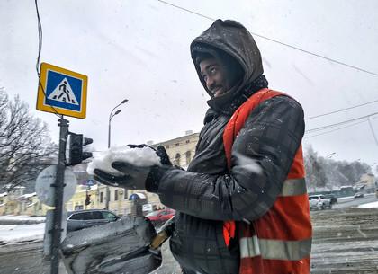 Снежное утро в Харькове (ФОТОРЕПОРТАЖ)