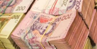 Фальшивый ремонт дороги: чиновник-мошенник присвоил 200 тысяч гривен
