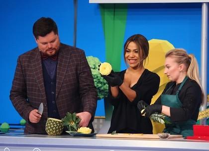 Как выбрать спелый ананас? Советы экспертов «Полезной программы»