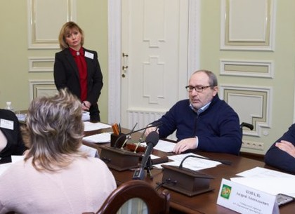 Геннадий Кернес через соцсеть прокомментировал личный прием граждан на ХТЗ (ВИДЕО)