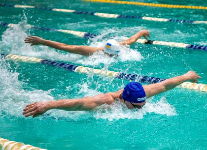 В Харькове проходит чемпионат Украины по плаванию (ФОТО)
